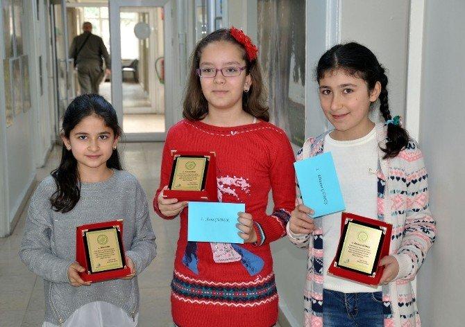 """""""Sulak Alanlar Ve Yaşamımıza Sunduğu Katkılar"""" Yarışmasında Dereceye Giren Öğrenciler Ödüllendirildi"""