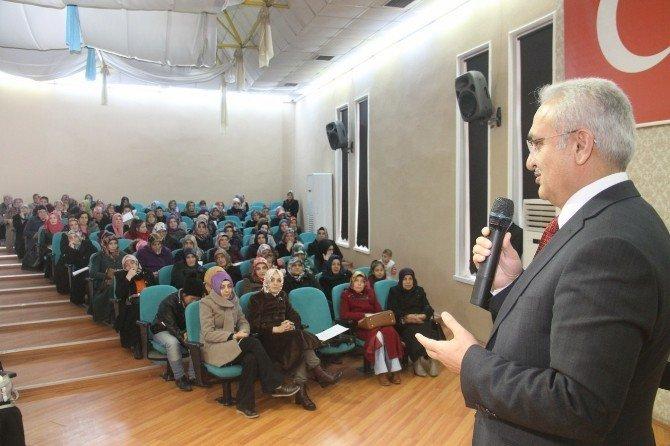 Erzincan Belediyesi Meslek Edindirme Kurslarına Devam Ediyor