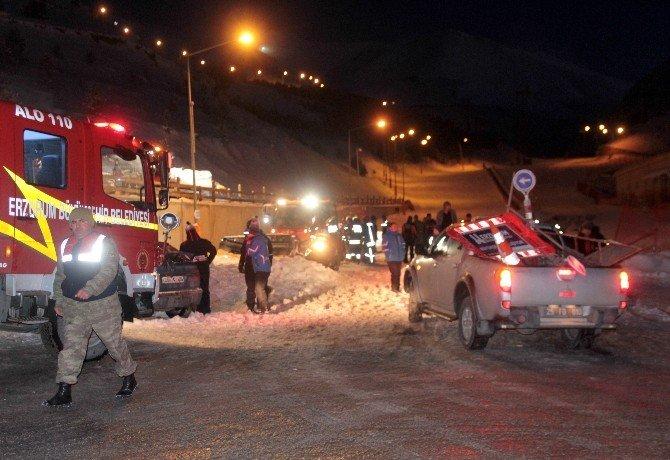 Palandöken'de 2 Kayakçı Çığ Altında Kaldı