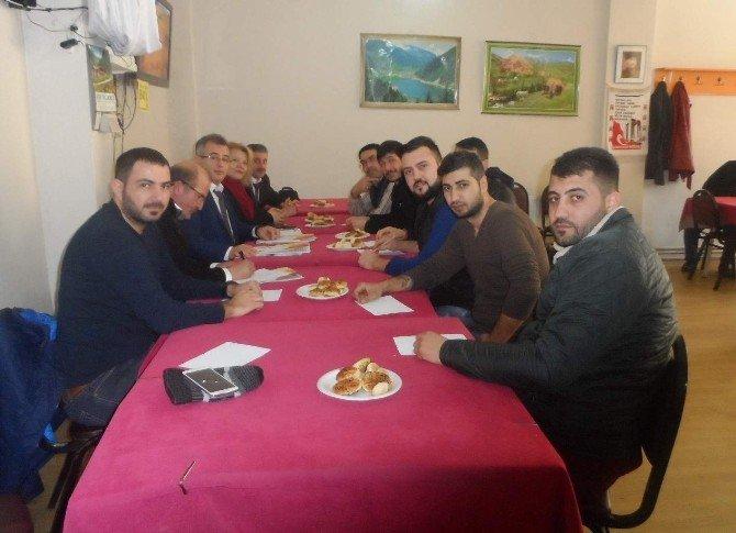 Berberler Ve Kuaförler Odası'ndan Bilgilendirme Toplantısı