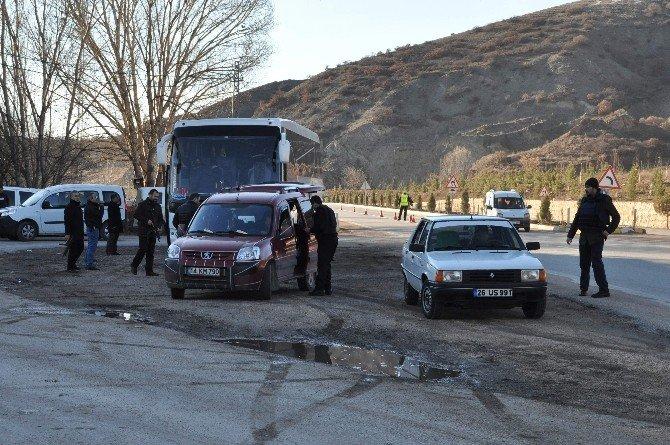 Eskişehir Polisinden Şehir Girişlerinde Uygulama