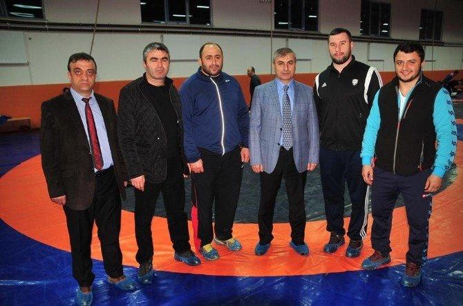 Avrupa Ve Dünya Güreş Şampiyonası'na Tokat'ta Hazırlanıyorlar