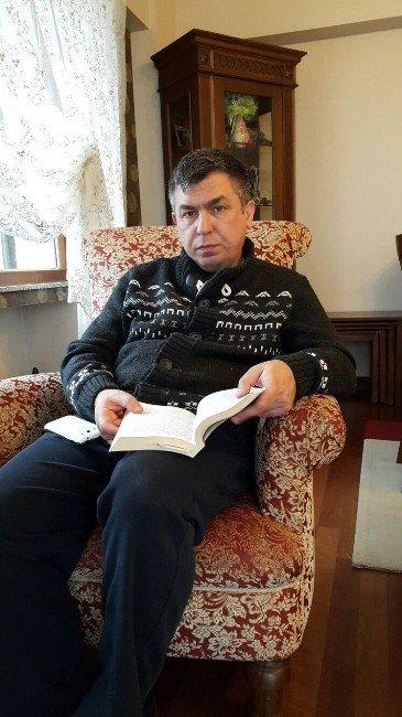 Bir Yılda 65 Kitap Okudu