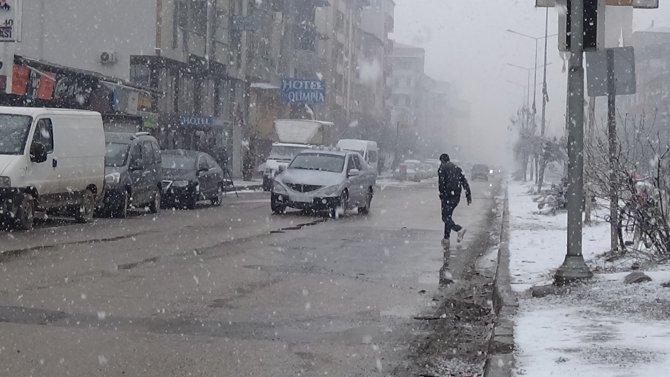 Iğdır'da kar yağışı etkili oldu