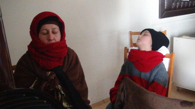 Yardımsever teyzeden göçmenlere: Durun Türkiye'de, sizi kandırıyorlar
