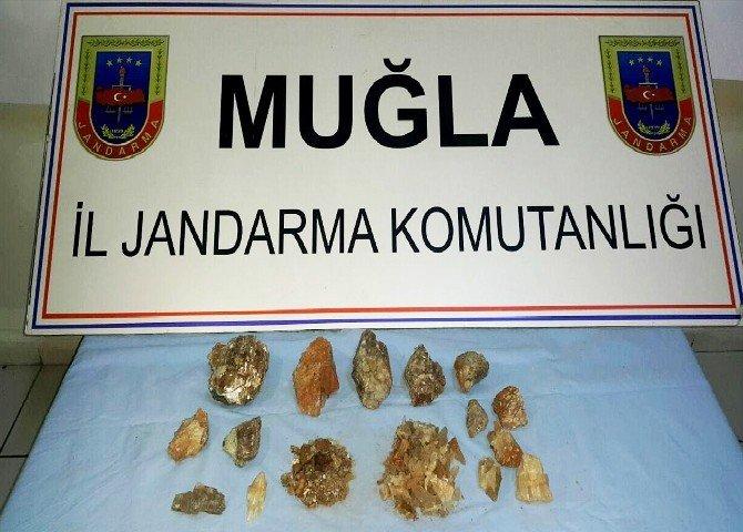 Milas'ta Kaçak Zultanit Kazıcılarına Operasyon