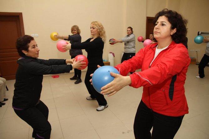 Karşıyaka Belediyesi'nden 2 bin 500 kişiye ücretsiz kurs
