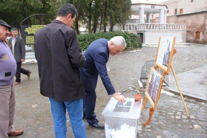 İncesu Belediyesi Saat Kulesinin Yapımı İçin Referandum Yaptı