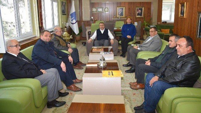 Güreşçiler Başkan Çerçi'yi Ziyaret Etti
