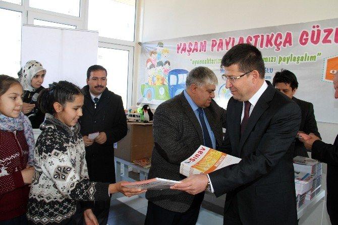 Merkezefendi'de Toplanan Kitaplar Mahalle Okullarına Dağıtılıyor