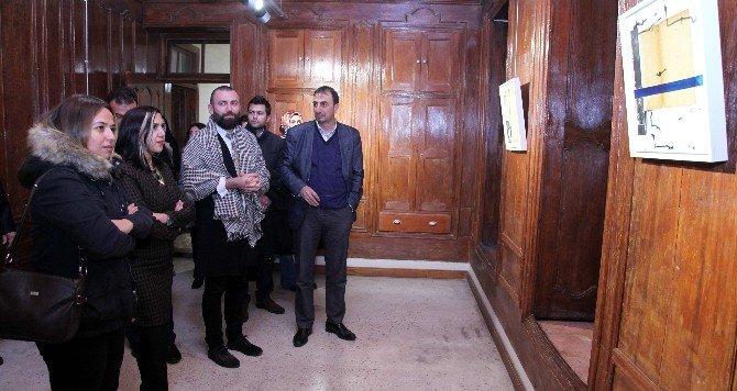 """Sanatçı Rüstemoğlu'nun """"Elbet Bir Gün Buluşacağız"""" Sergisi Açıldı"""