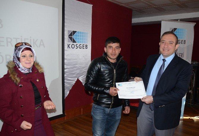 Sarıkamış'ta 59 Kursiyere Katılım Belgesi Verildi