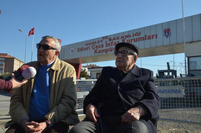 Umut nöbetini Aydın Boysan ve Mustafa Alabora tuttu