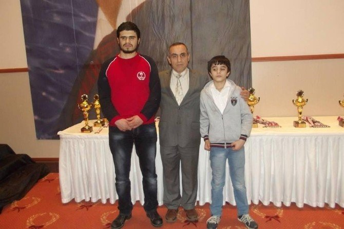 Yeşilyurt Görme Engelli Satranç Takımı, Antalya'dan Başarılarla Döndü