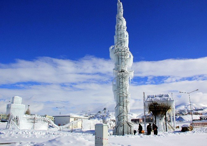 Erzurum'da Buzdan Manzara
