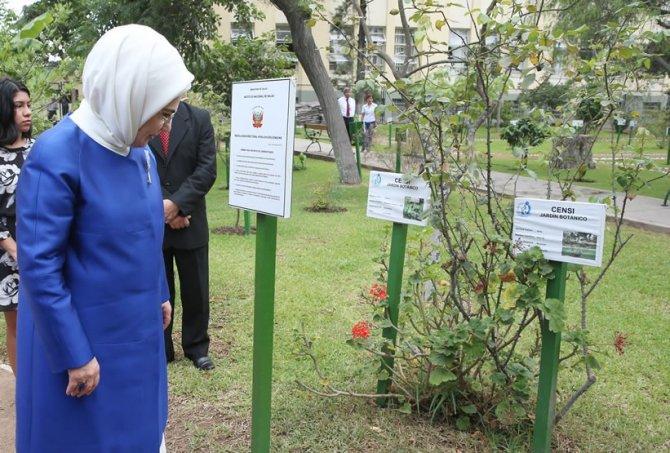 Emine Erdoğan, Peru'da Botanik Bahçesi'ni ziyaret etti