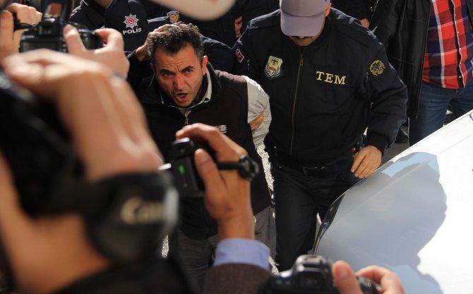 Aydın'da yakalanan canlı bombaların sorgusu için Ankara'dan özel ekip geldi
