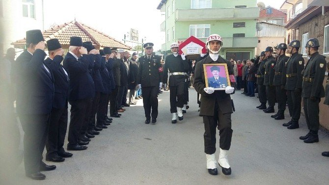 Kıbrıs Gazisi Askeri Törenle Son Yolculuğuna Uğurlandı