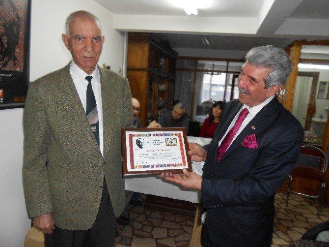 Esküder'den Muharrem Kubat'a 'Teşekkür Ödülü'