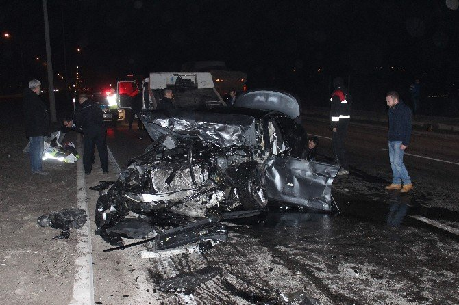 Eskişehir'de Trafik Kazası: 3 Ölü, 5 Yaralı