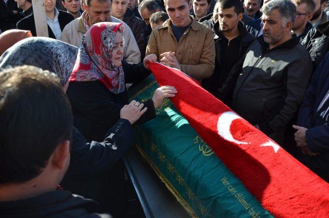 Dernek saldırısında hayatını kaybeden genç gözyaşlarıyla uğurlandı