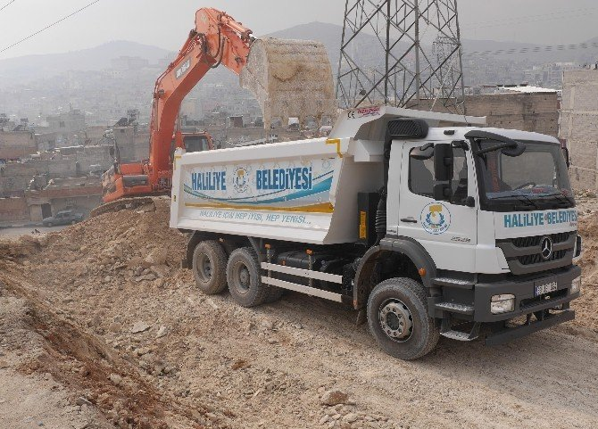 Haliliye'de Yol Ağı Hızla Genişliyor