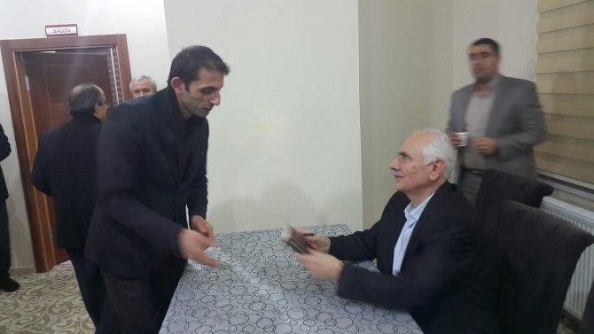 İhsan Atasoy'dan Fethullah Gülen Hocaefendi'ye 'Konuşan Adam' şiiri