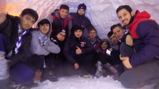 Büyükşehirli İzciler, Kış Kampını Eksi 5 Derecede Tamamladı