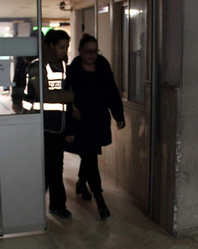 Manisa'da gözaltına 3'ü kadın 19 kişi sağlık kontrolünden geçirildi