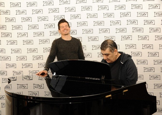 Emre Belözoğlu'ndan Müthiş Performans