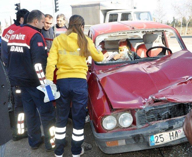 Adana'da Trafik Kazası: 2'si Ağır 3 Yaralı