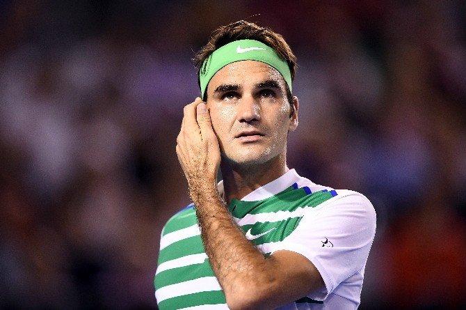 Roger Federer Kortlardan 1 Ay Uzak Kalacak