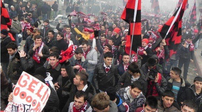 Linyitspor'un Efsane Taraftar Grubu Geri Dönüyor