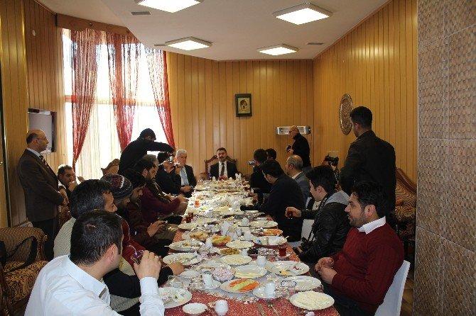 Milli Eğitim Müdürü Basın Mensuplarıyla Kahvaltıda Buluştu