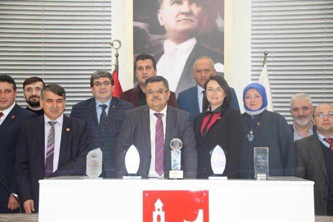 CHP'li Meclis Üyelerden AK Partili Başkan Yağcı'ya Teşekkür