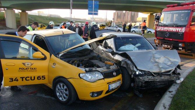 Havalimanı yolunda ölümlü kaza