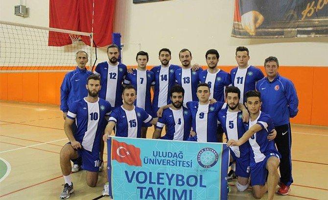 Uludağ Üniversitesi Spor Bilimleri Fakültesi Başarıya Doymuyor