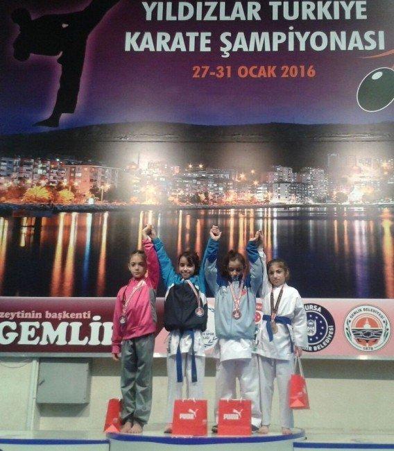 Vanlı Karateciler Ödülle Döndü