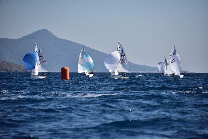 Yelken Yarışları Başladı