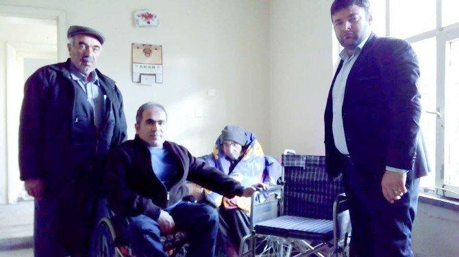 Anadolu Sakatlar Derneğinden Tekerlekli Sandalye Yardımı