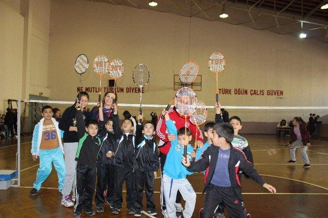 Şehit Ve Gazi Çocukları İle Yurtlarda Kalan Öğrencilere Spor Eğitimi