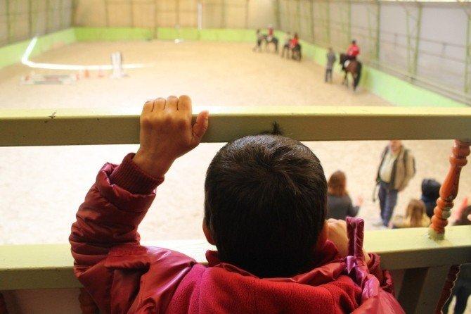 Kimsesiz Çocuklara Ata Binme Etkinliği