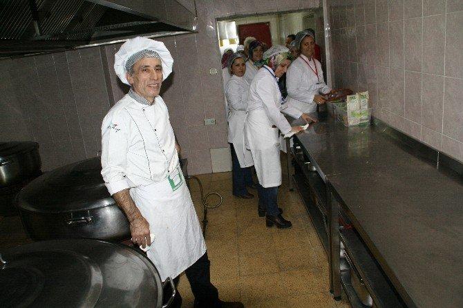 Aşçı Yardımcılığı Kursu Büyük İlgi Görüyor