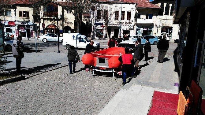 Avanos Belediyesi Kızılırmak'ta Ani Müdahaleler İçin Bot Aldı