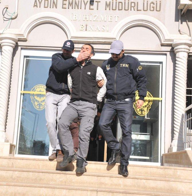 Aydın'da yakalanan iki terörist İstanbul'a götürüldü