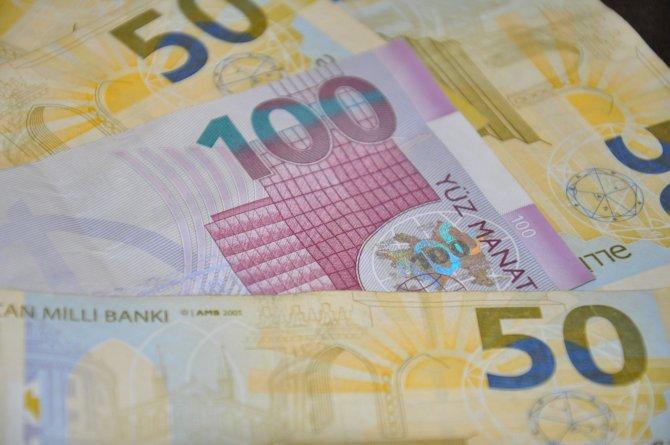 Azerbaycan'da dolar güne 1,5858 manattan başladı