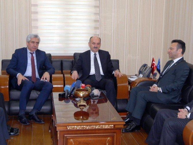 Sağlık Bakanı Müezzinoğlu Diyarbakır'da