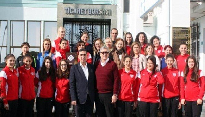 Kadın Girişimciler Bandırmaspor Hentbol Takımıyla Biraraya Geldi