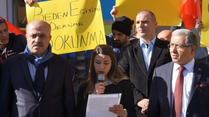Beden öğretmenlerinden 'kontenjan' protestosu
