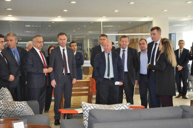Belarus Orman Bakanı ağaç sektörü için İnegöl'de